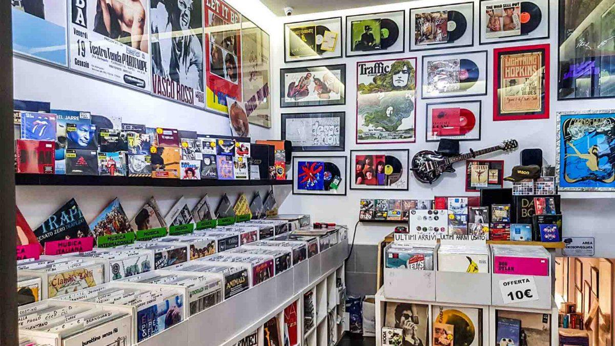 ristori negozi di dischi apogeo records